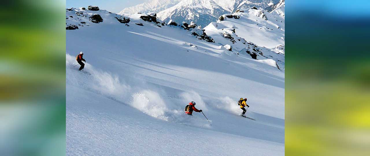 Best things to do in Manali - Skiing