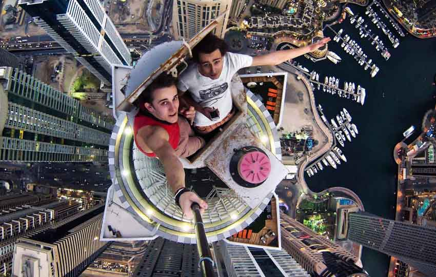 climbing the tallest building dubai