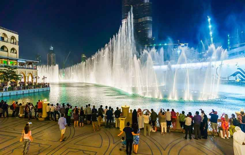 famous fountain in dubai