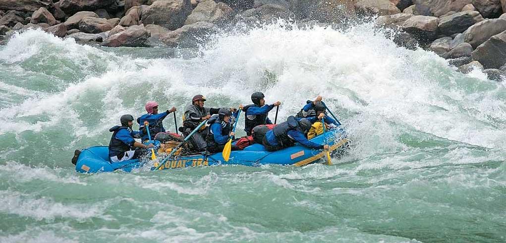 rafting at Siang river