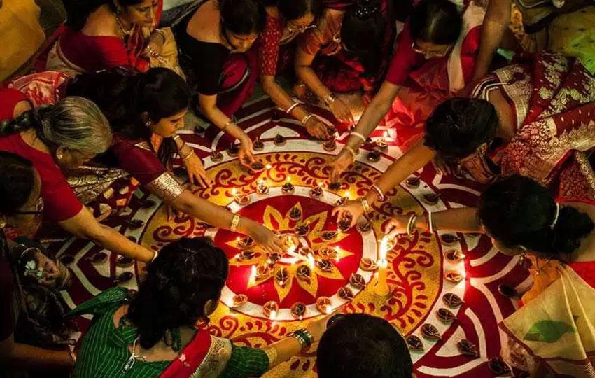 celebrate Diwali in India