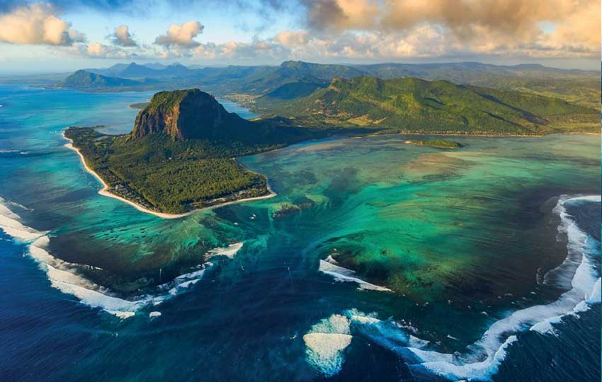 Le Morne Brabant - Mauritius tour packages