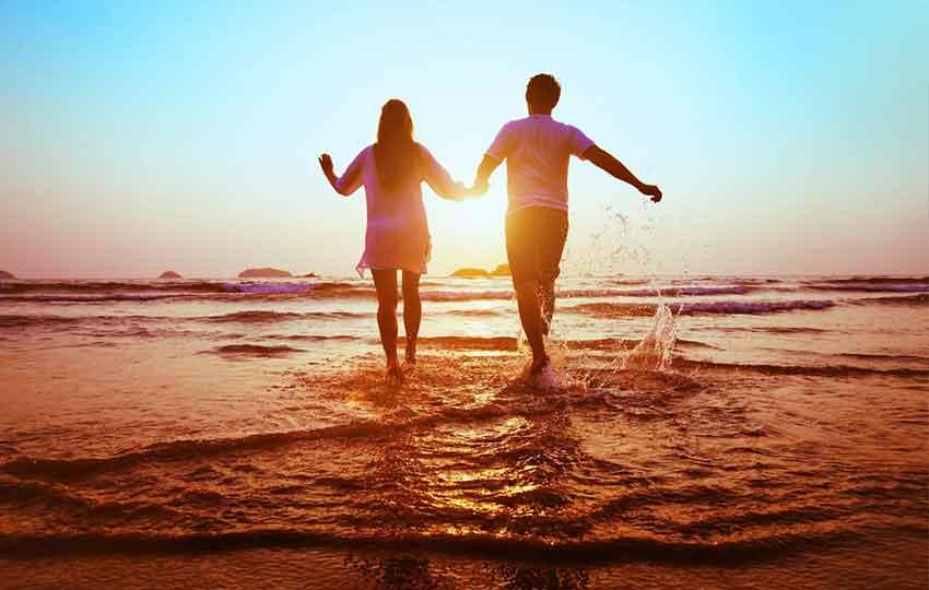 Goa beach couple