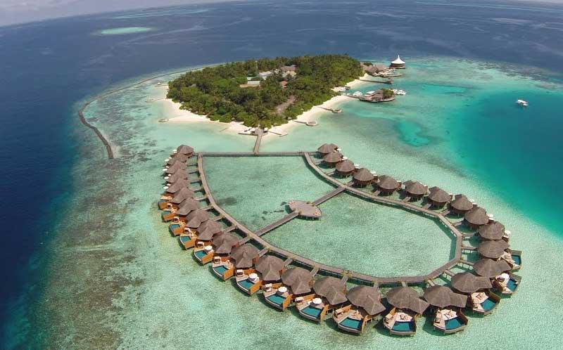 Resort Baros Maldives Island